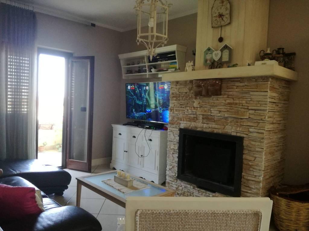 Appartamento in ottime condizioni in vendita Rif. 7720116