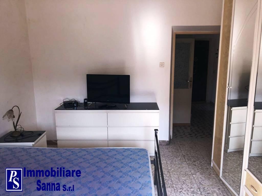 Appartamento in buone condizioni arredato in affitto Rif. 7718843