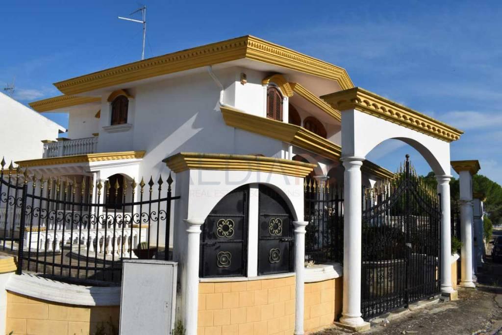 Villa a schiera 5 locali in vendita a Statte (TA)