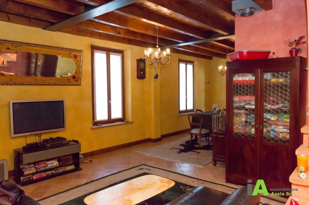 Casa Indipendente in ottime condizioni parzialmente arredato in vendita Rif. 7721414