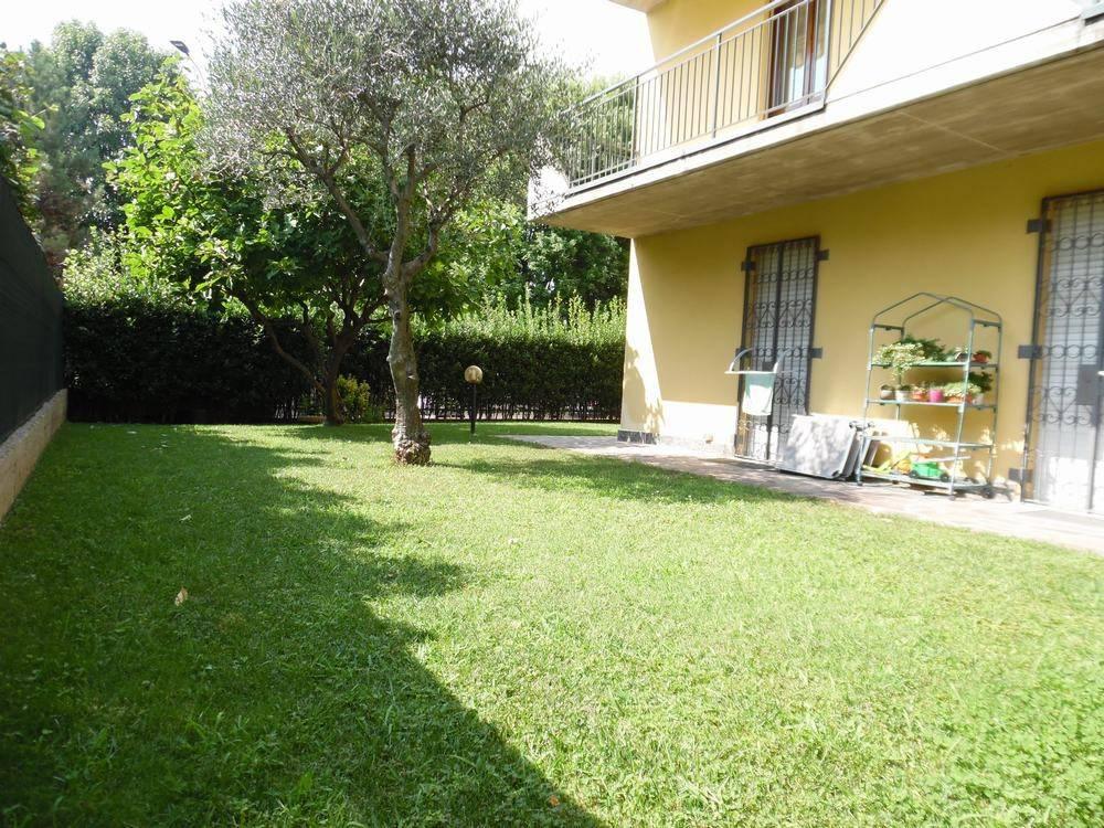 Appartamento in ottime condizioni in vendita Rif. 7733203