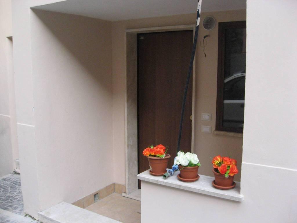 Appartamento in ottime condizioni arredato in affitto Rif. 7733813