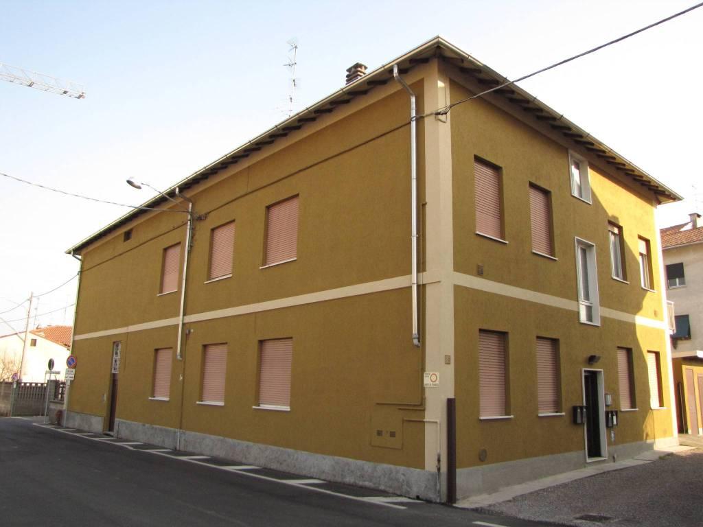 Appartamento in buone condizioni in vendita Rif. 7733030