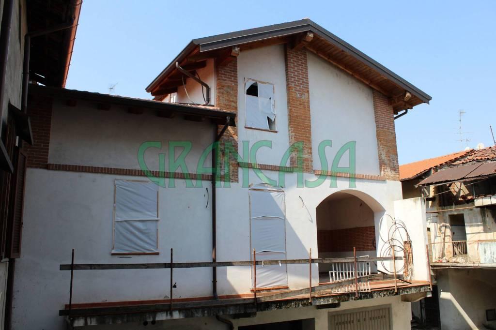 Appartamento da ristrutturare in vendita Rif. 7733145