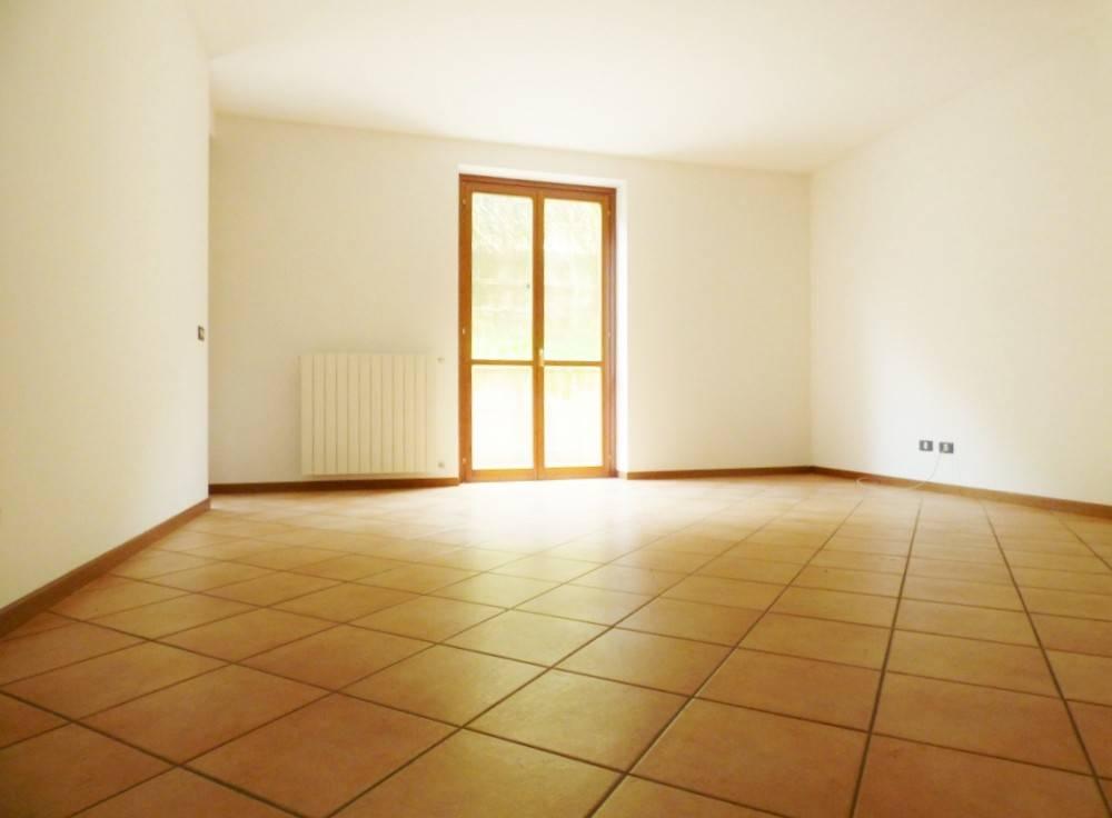 Appartamento in buone condizioni in vendita Rif. 7737062
