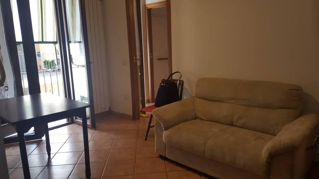 Appartamento in buone condizioni arredato in affitto Rif. 7736361