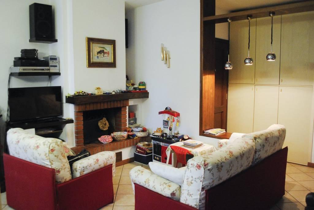 Appartamento in buone condizioni in vendita Rif. 7734586