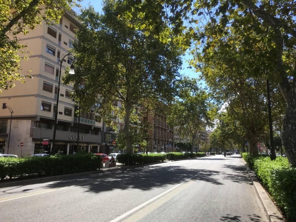 Appartamento in Affitto a Palermo Periferia: 5 locali, 179 mq