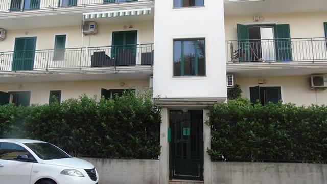 Appartamento in ottime condizioni in vendita Rif. 7732967