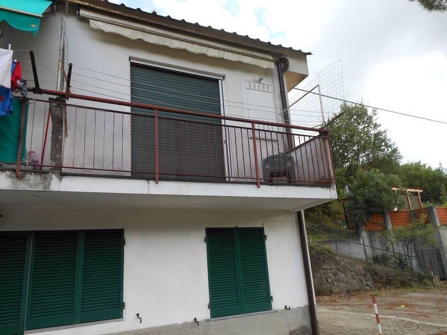 Appartamento in buone condizioni arredato in vendita Rif. 7733037