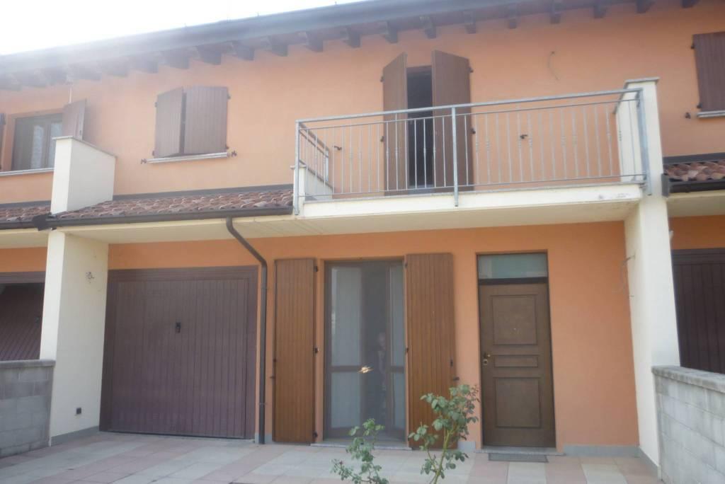 Villa a Schiera in vendita a Pieve d'Olmi, 5 locali, prezzo € 138.000 | CambioCasa.it
