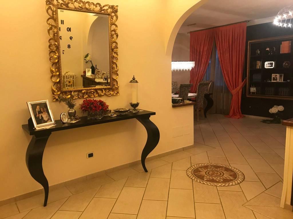 Appartamento in ottime condizioni arredato in vendita Rif. 7734630