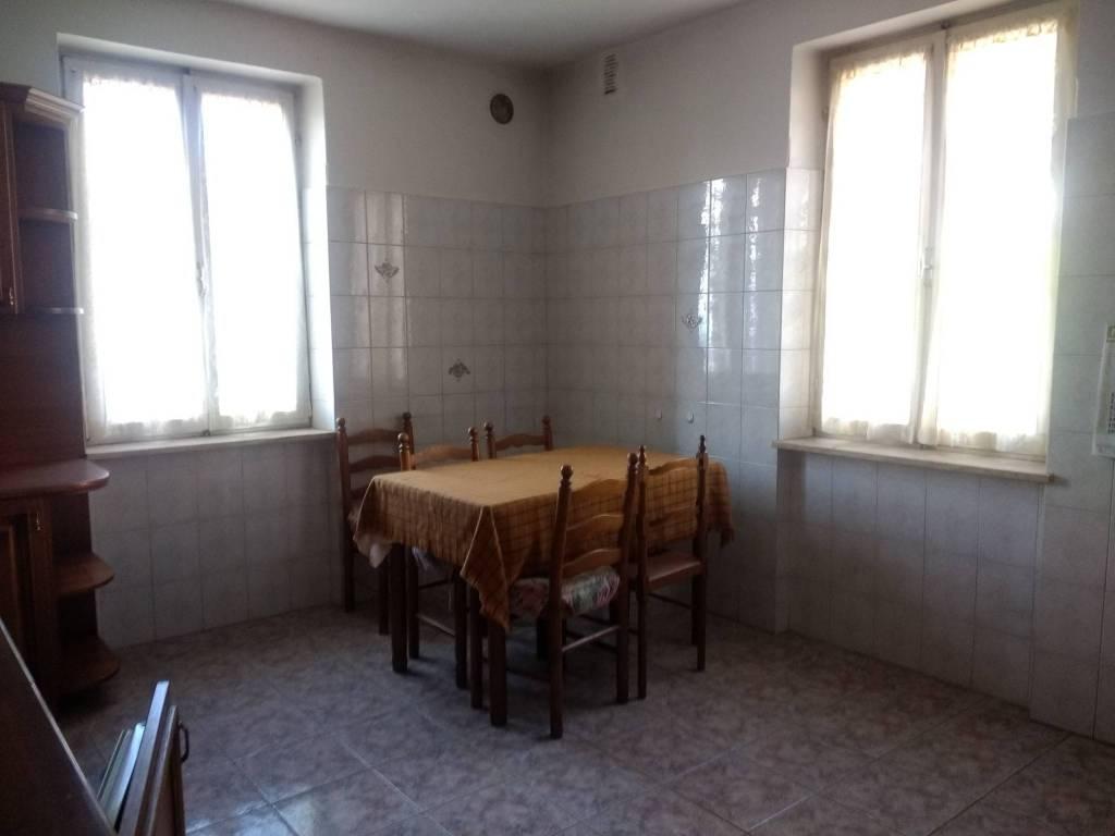 Appartamento in buone condizioni parzialmente arredato in vendita Rif. 7735790