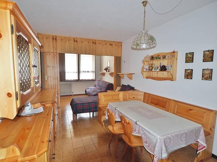 Appartamento in buone condizioni arredato in vendita Rif. 7733480