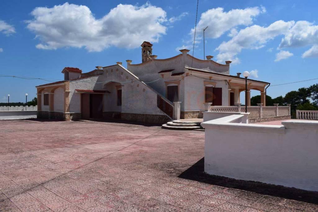Villa in buone condizioni in vendita Rif. 7737490