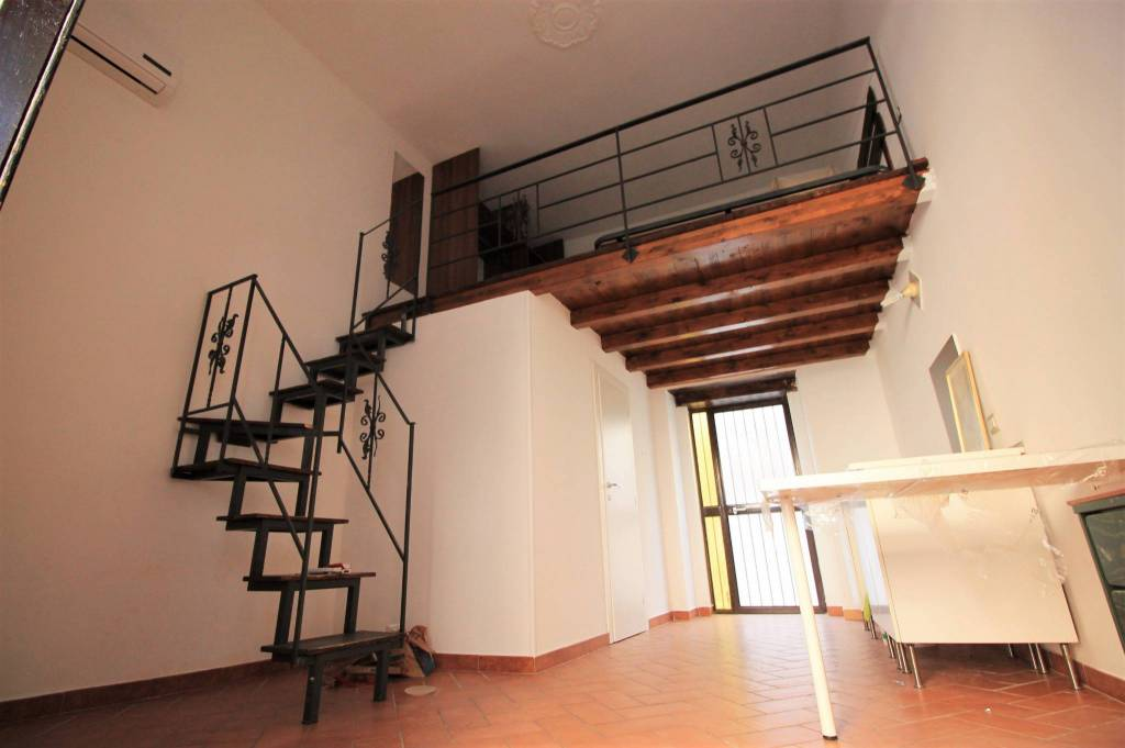 Appartamento in ottime condizioni arredato in affitto Rif. 7735895