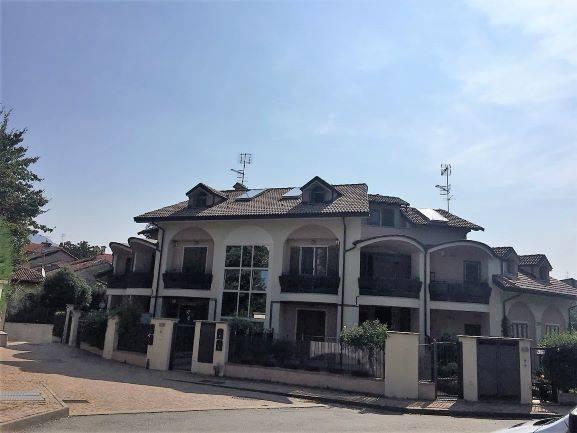 Appartamento in ottime condizioni in vendita Rif. 7748732
