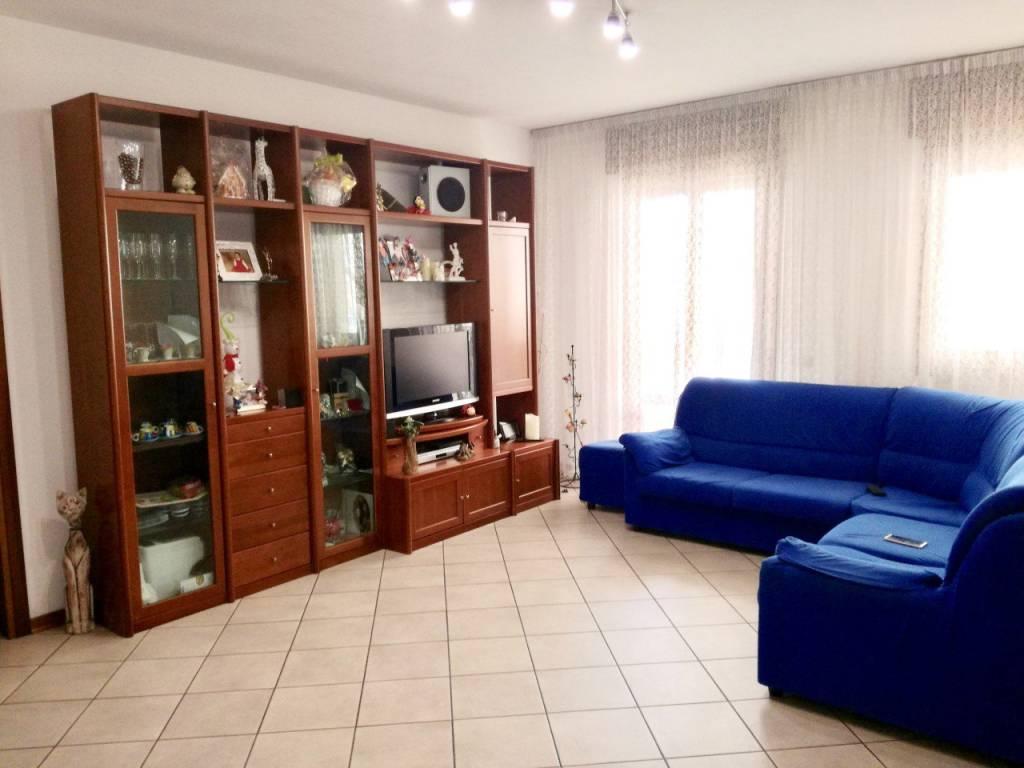 Appartamento in ottime condizioni in vendita Rif. 7748984
