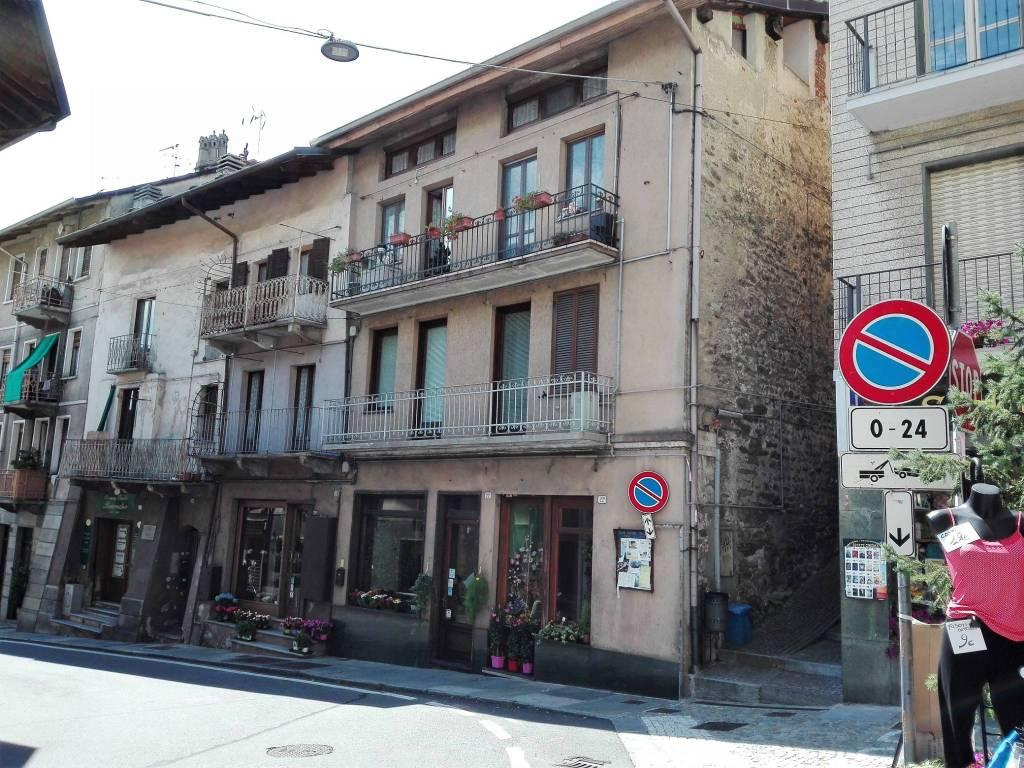 Appartamento in buone condizioni in vendita Rif. 7749085