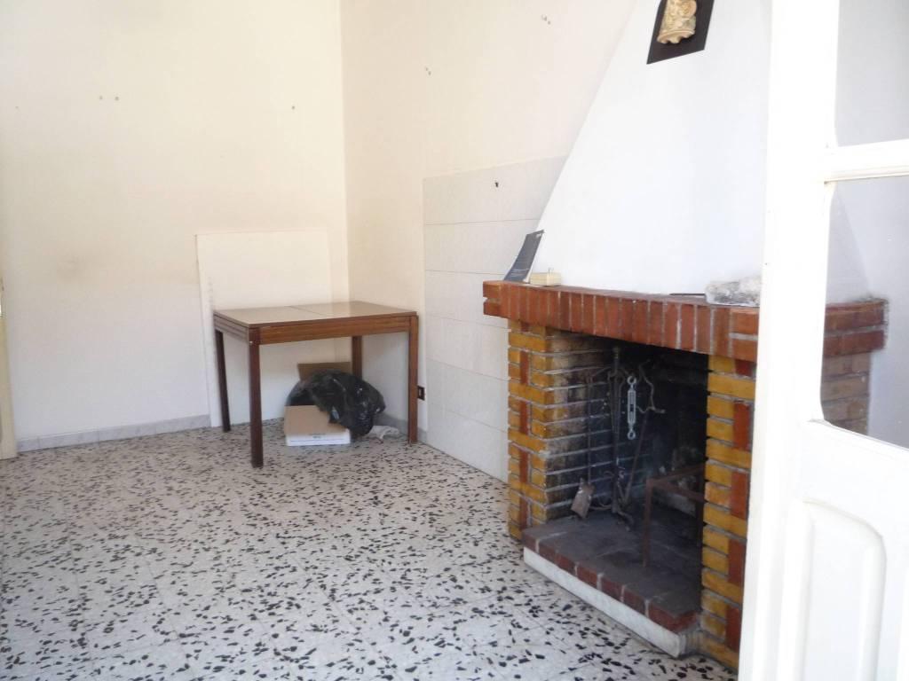 Appartamento in buone condizioni in affitto Rif. 7749069