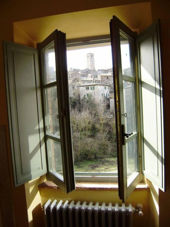 Appartamento in ottime condizioni arredato in affitto Rif. 8846737