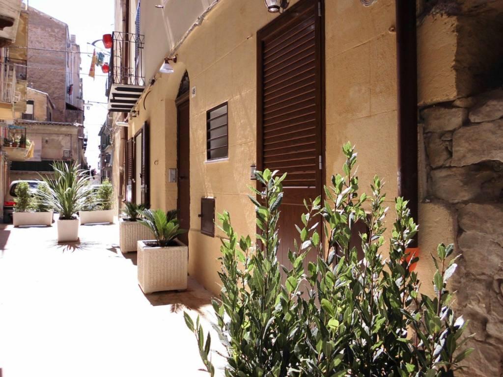 Stabile 5 locali in vendita a Caltanissetta (CL)