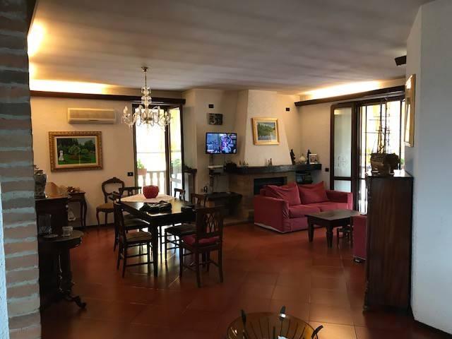 Appartamento in buone condizioni in vendita Rif. 7756373