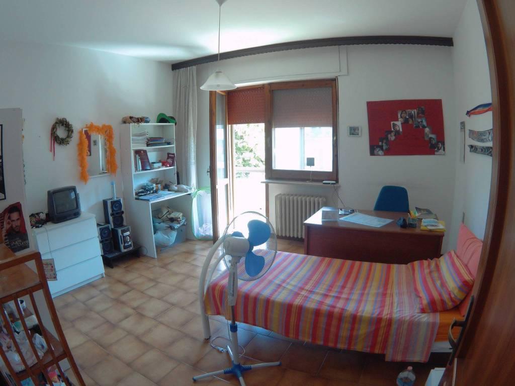 Stanza / posto letto in affitto Rif. 8111799