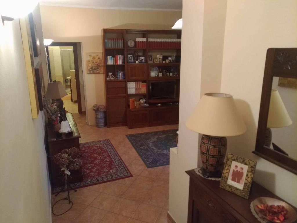 Appartamento in ottime condizioni in vendita Rif. 7758348