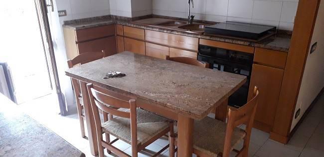 Appartamento in buone condizioni in vendita Rif. 7756777