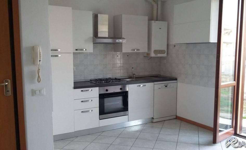 Appartamento in Affitto a Podenzano Centro: 3 locali, 80 mq