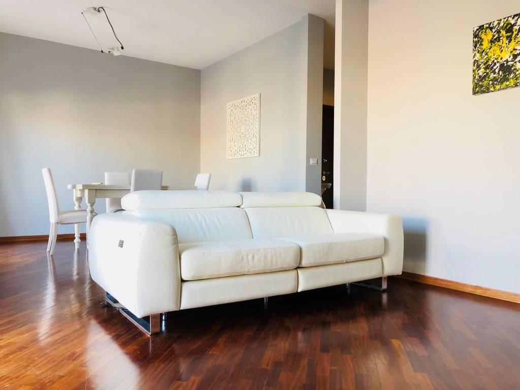Attico / Mansarda in ottime condizioni arredato in affitto Rif. 7757468