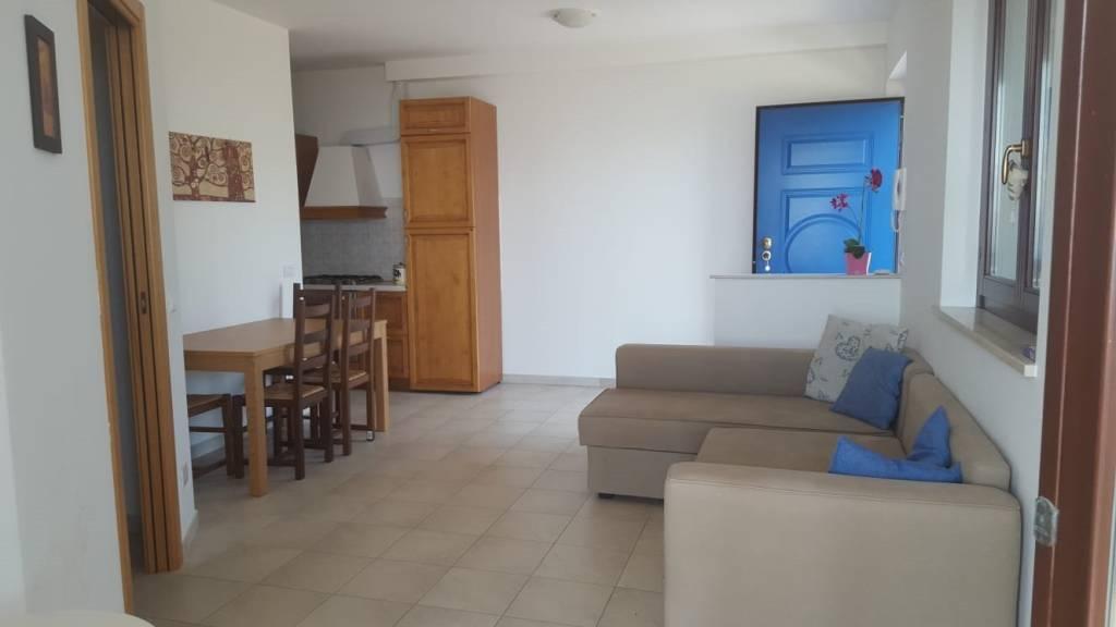 Appartamento in ottime condizioni arredato in vendita Rif. 7759547