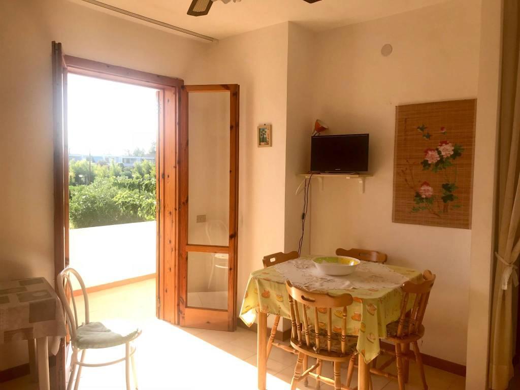 Appartamento in buone condizioni in vendita Rif. 7758798