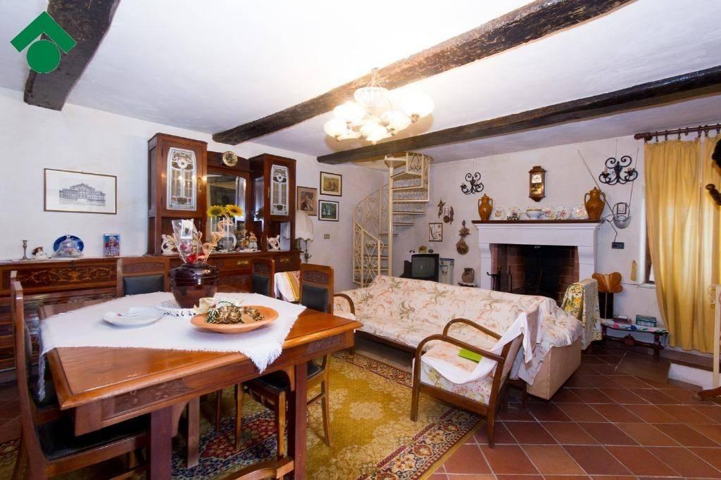 Casa Indipendente parzialmente arredato in vendita Rif. 9151510