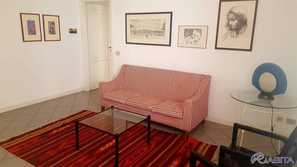 Appartamento in Affitto a Piacenza Centro: 2 locali, 68 mq