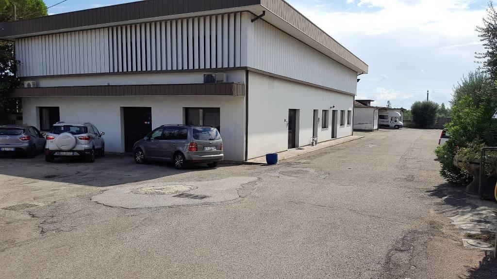 Monsummano Terme capannone di mq 1310 con 1800 mq di terreno