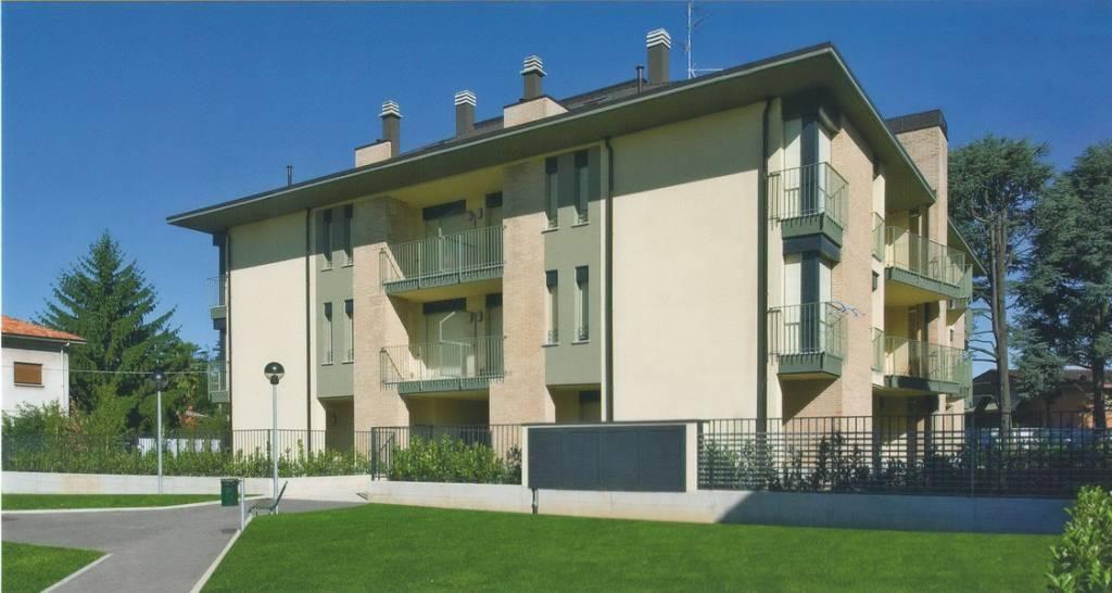 Appartamento in ottime condizioni in affitto Rif. 7756190
