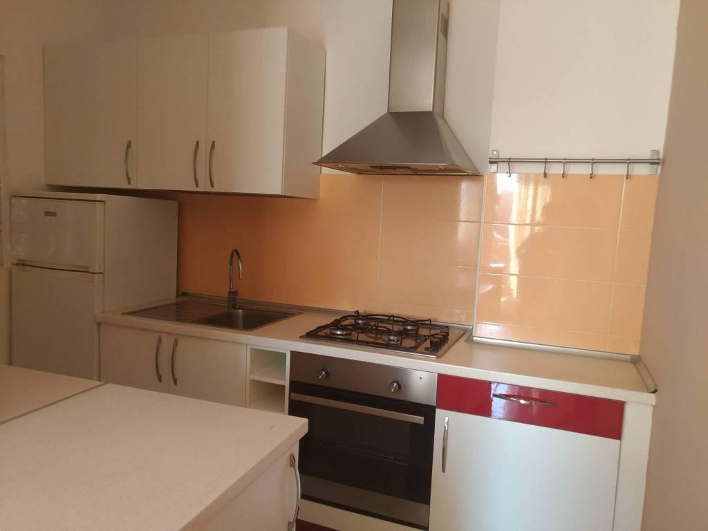 Appartamento in buone condizioni arredato in affitto Rif. 7758716