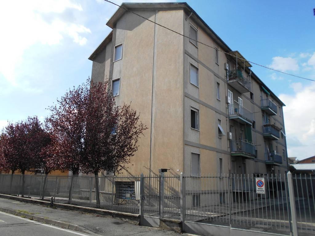 Appartamento in buone condizioni in affitto Rif. 7359673