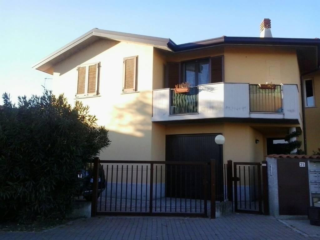 Appartamento in ottime condizioni parzialmente arredato in vendita Rif. 7758795