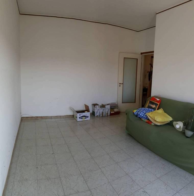 Appartamento in vendita a Gorla Maggiore, 2 locali, prezzo € 70.000 | CambioCasa.it
