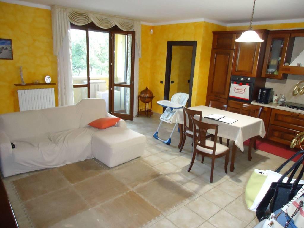 Appartamento in ottime condizioni in vendita Rif. 7757985