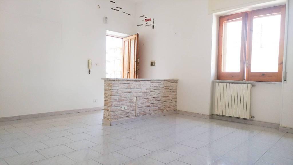 Appartamento in ottime condizioni in vendita Rif. 7756098