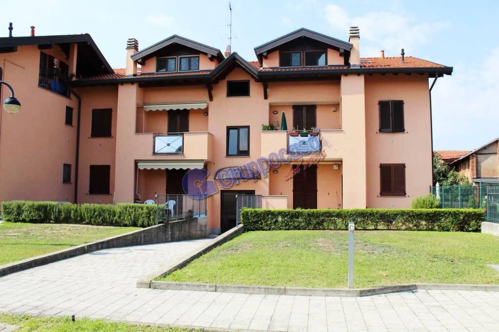 Appartamento in buone condizioni in vendita Rif. 7766516
