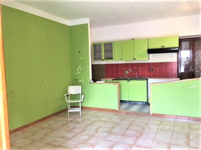 Appartamento in buone condizioni parzialmente arredato in affitto Rif. 7772262