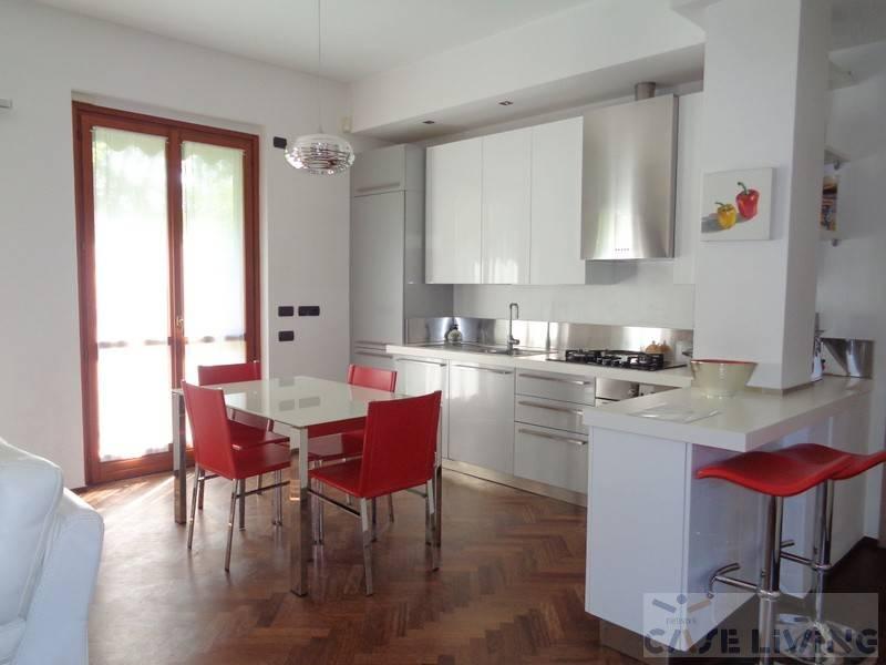 Appartamento in ottime condizioni in vendita Rif. 7767189