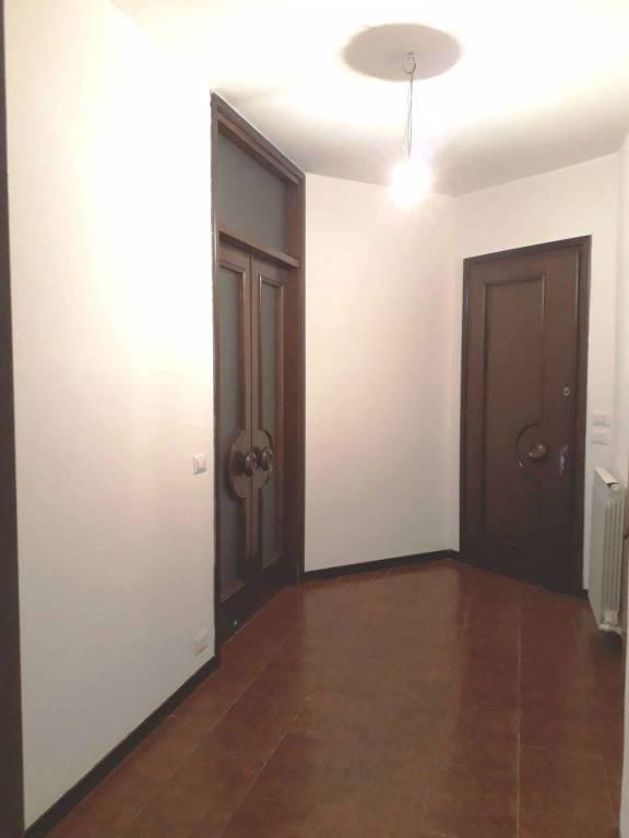 Appartamento in ottime condizioni in affitto Rif. 7928918