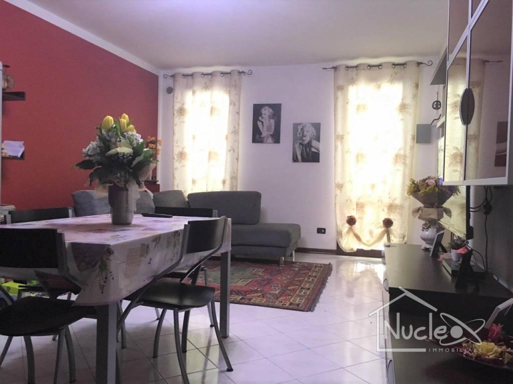 Appartamento in ottime condizioni arredato in vendita Rif. 7772303