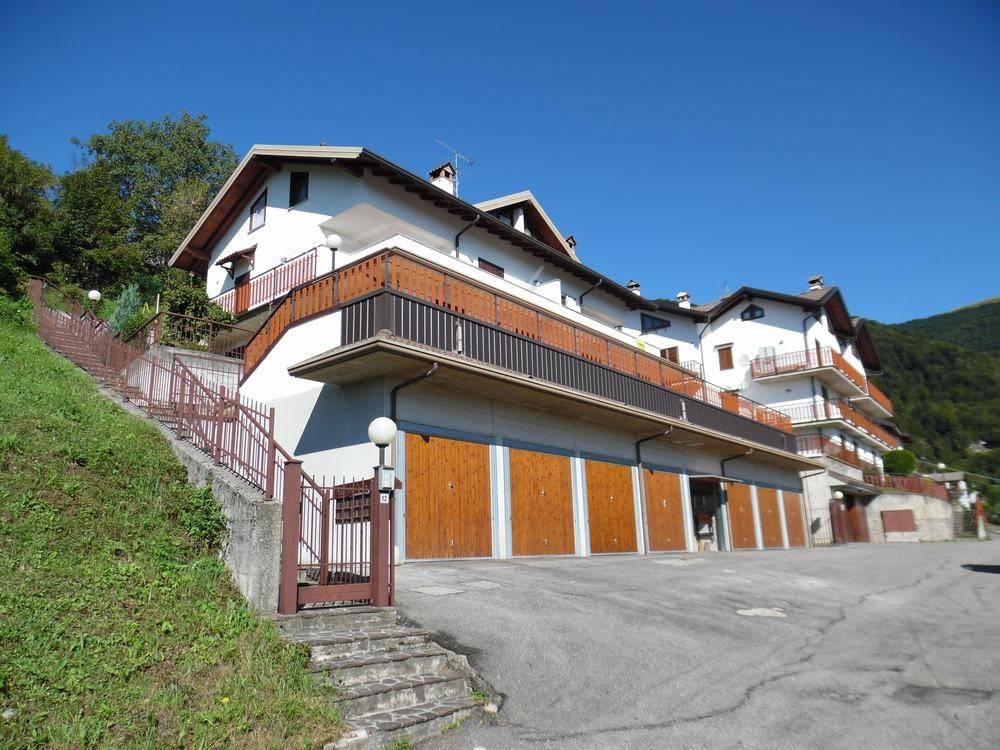 Appartamento in ottime condizioni arredato in vendita Rif. 4280899
